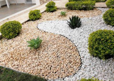 Jardin Exterior en Piedra