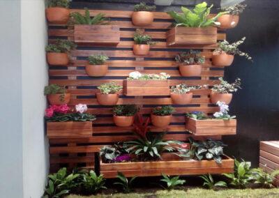 Jardines interior en muros